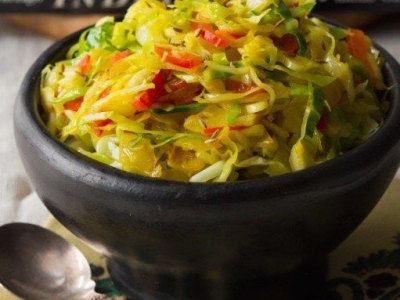Chilli cabbage and onions