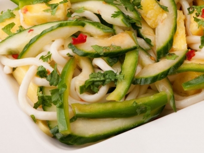 Capsicum, cucumber and Udon salad