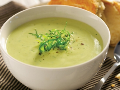Chilled avocado and dill soup