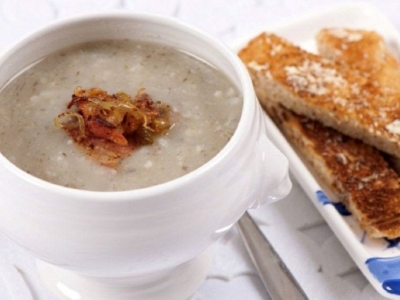 Jerusalem artichoke soup with bacon