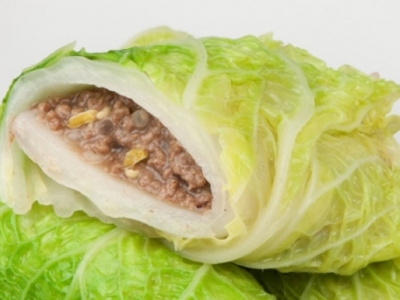 Peking cabbage spicy mince wraps