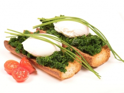Poached eggs on parsley subs