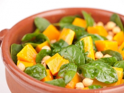 Pumpkin, spinach and chick pea salad