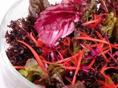 Red salad with beetroot dressing