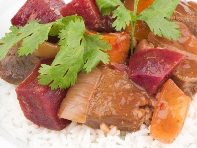 Venison with beetroot and chilli
