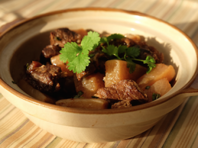 Daikon radish and beef stew
