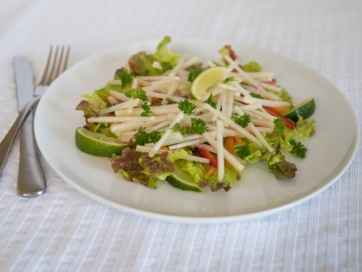 Kohlrabi and lettuce salad
