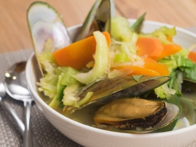 Bok choy and mussel soup