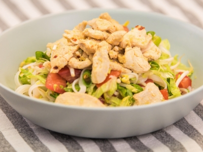 Thai vegetable and chicken salad