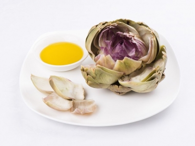 Artichokes and olive oil