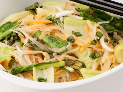 Asian greens and carrot laksa