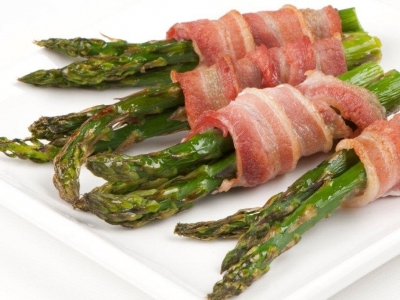Bacon and roast asparagus