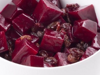 Beetroot with raisins