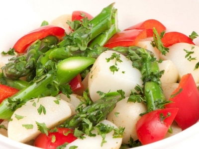Capsicum, potato and asparagus salad
