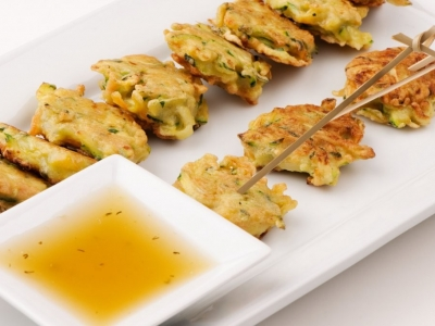 Courgette fritters with dill and coriander dipping sauce