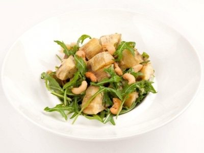 Kūmara, rocket and cashew salad