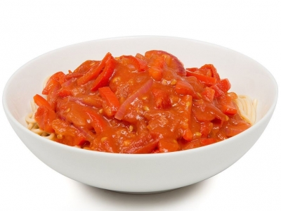 Pasta with tomato and capsicum sauce