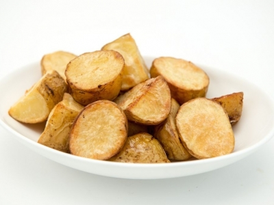 Roast potatoes with skins on