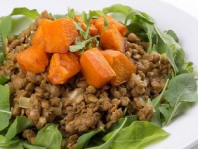 Spinach and rocket with curried lentils and pumpkin