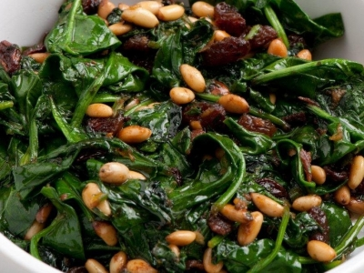 Spinach with anchovies and pine nuts