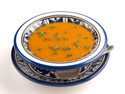 Tomato and kūmara soup