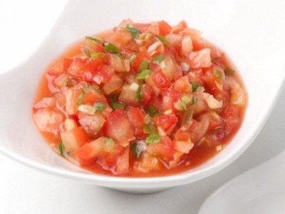 Tomato salsa with chilli