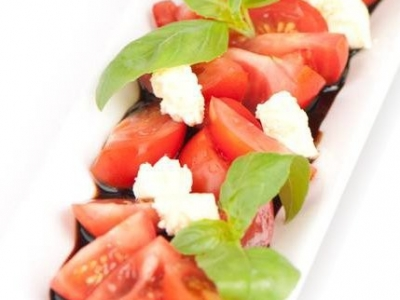 Tomatoes with feta and balsamic glaze