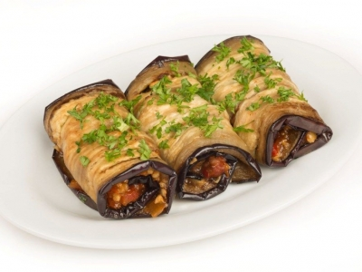 Walnut stuffed eggplant rolls